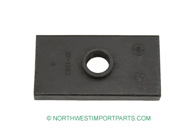 Midget Leaf spring center pad 64-79